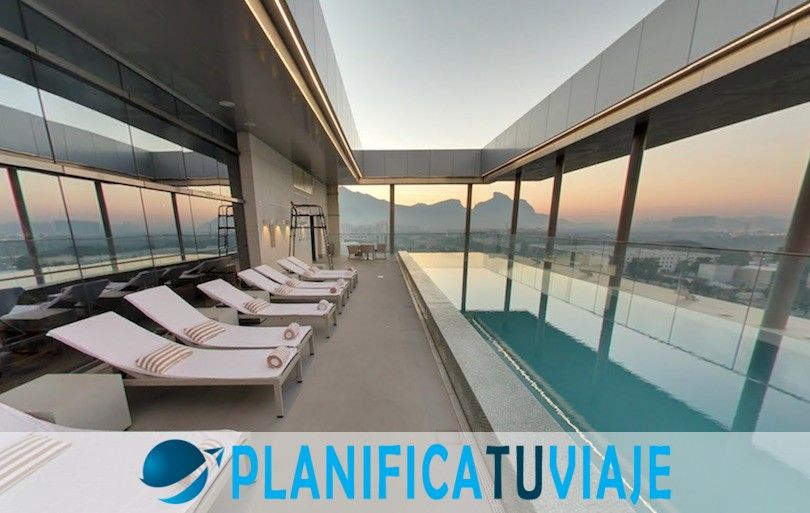 7 Rio de Janeiro Hotels with Amazing Pools 7