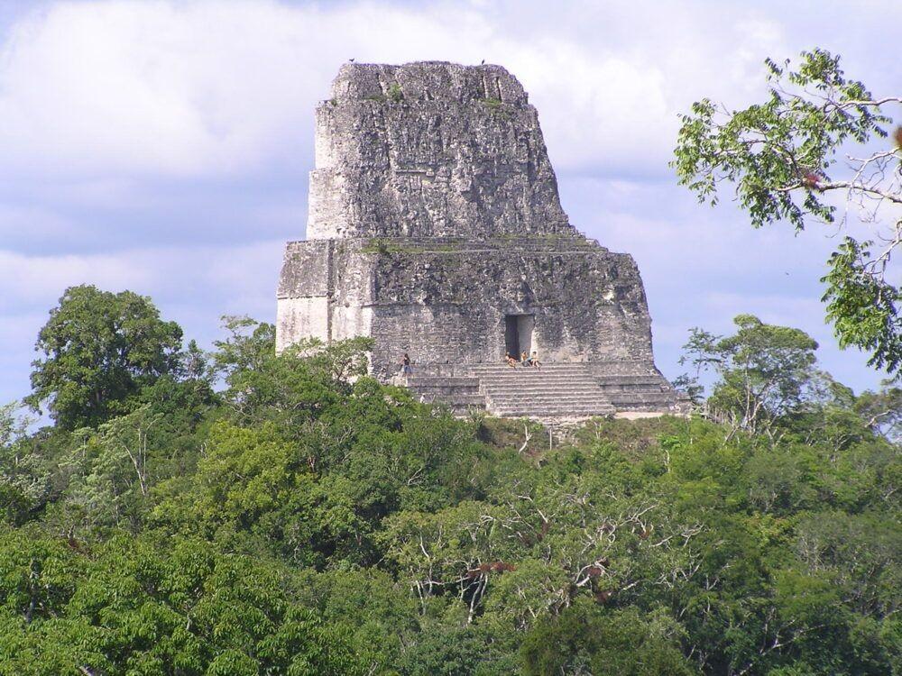 Tikal (Templo IV)