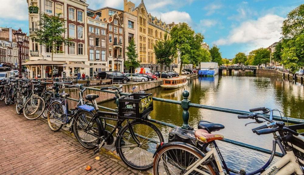 Itinerario de muestra de Ámsterdam a París en tren