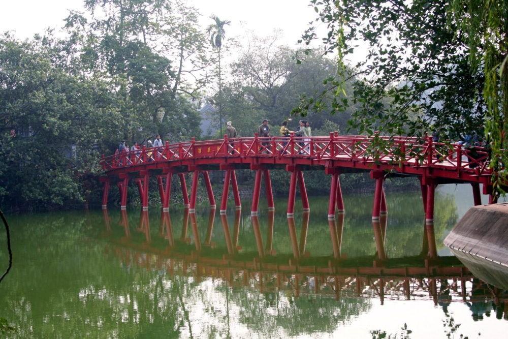 El lago Hoan Kiem en Hanoi