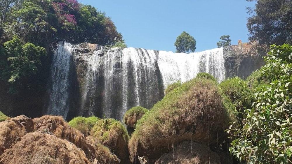 Lieng Rewoa Waterfall
