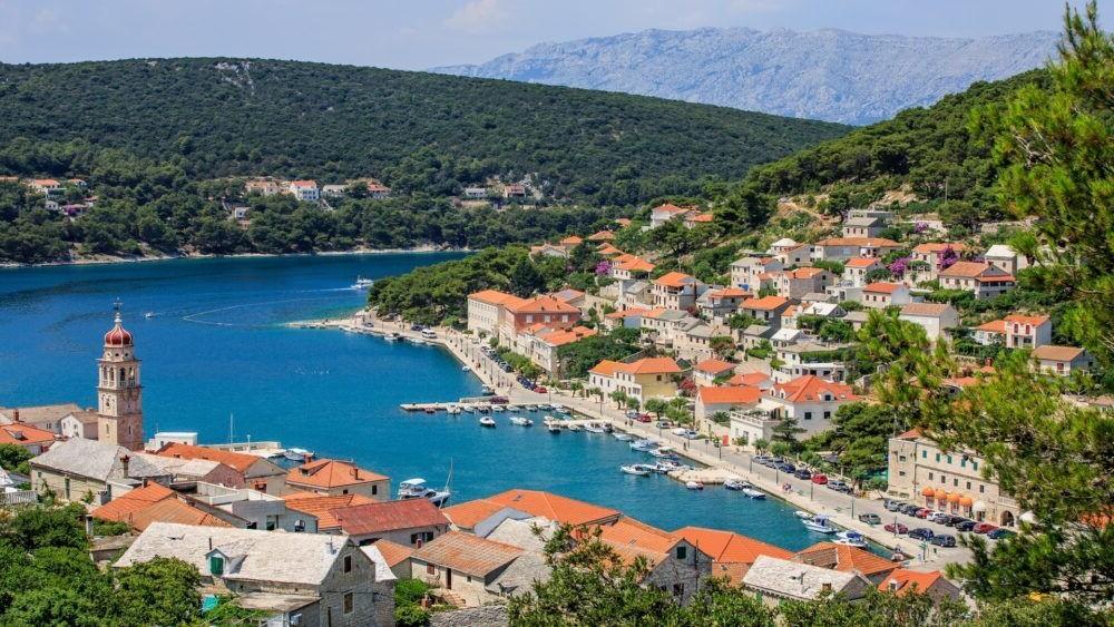 Ciudad Pucisca Croacia