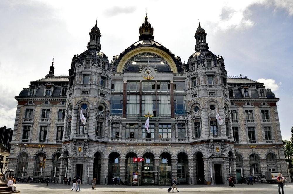 Destino Antwerp Central