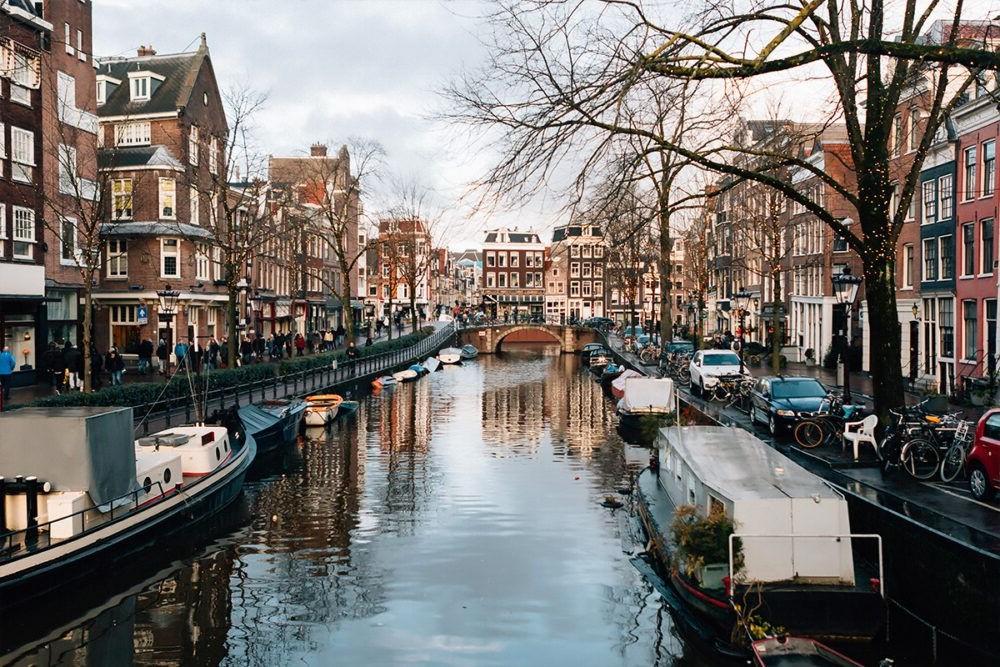 Destino Europa, Amsterdam