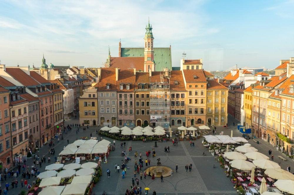 Destino Europa, Varsovia