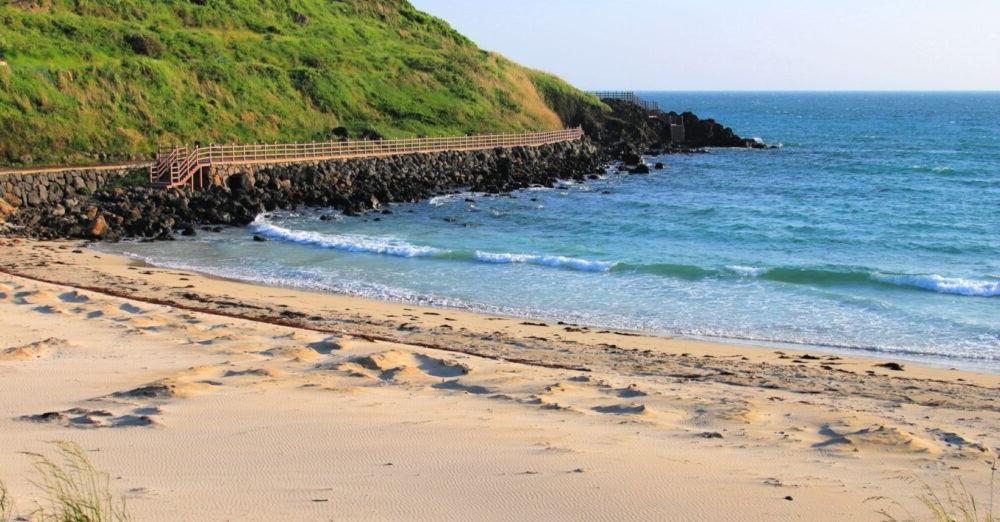 Destino Hamdeok beach