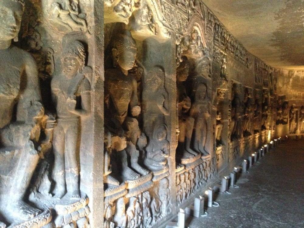 Destino India, Cuevas de Ajanta