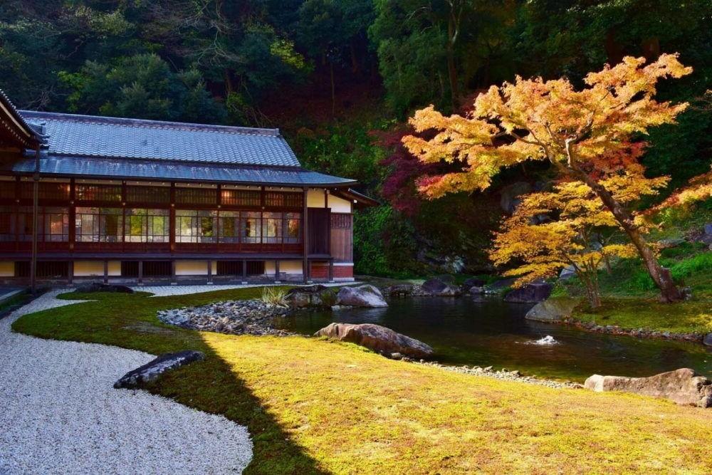 Destino Japón, Meigetsuin