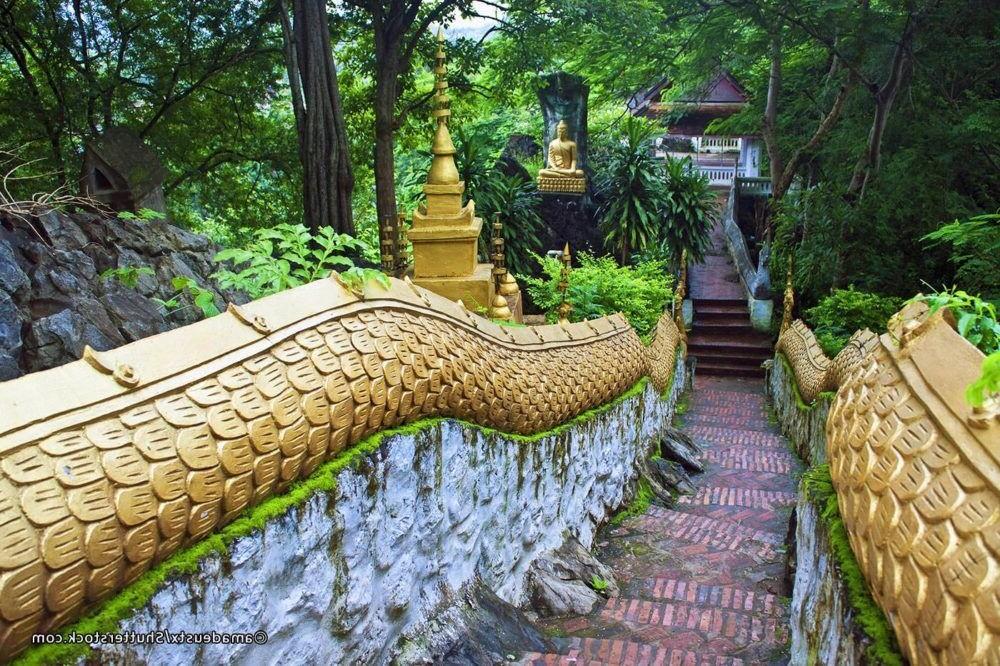 Destino Laos, Mount Phousi