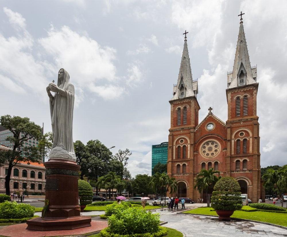 Destino Saigón Notre Dame Cathedral