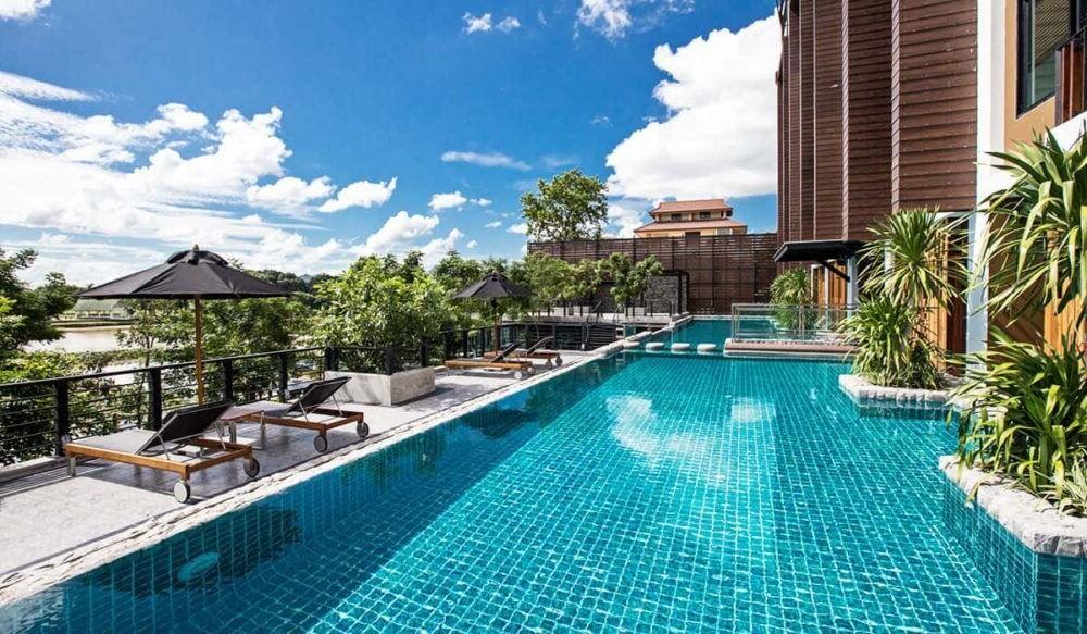 Hospedaje en el Natee The Riverfront Hotel Kanchanaburi