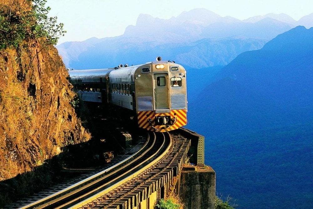 Turismo por el Tren Curitiba-Paranagua