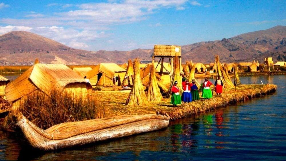 Un hermoso lugar turistico del Perú, Islas Uros
