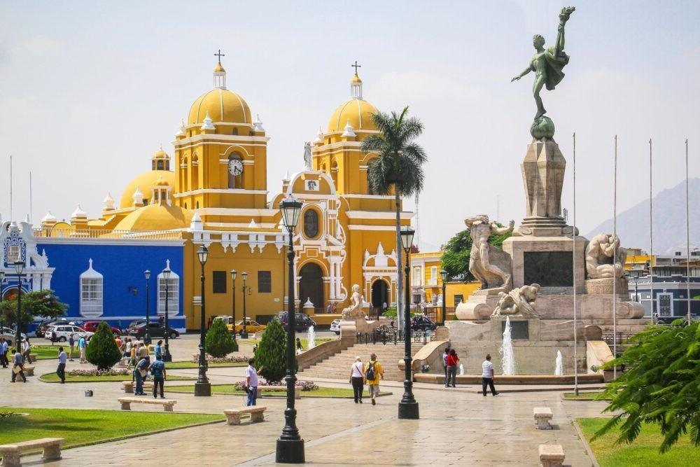 Un lugar turístico del Peú, Trujillo