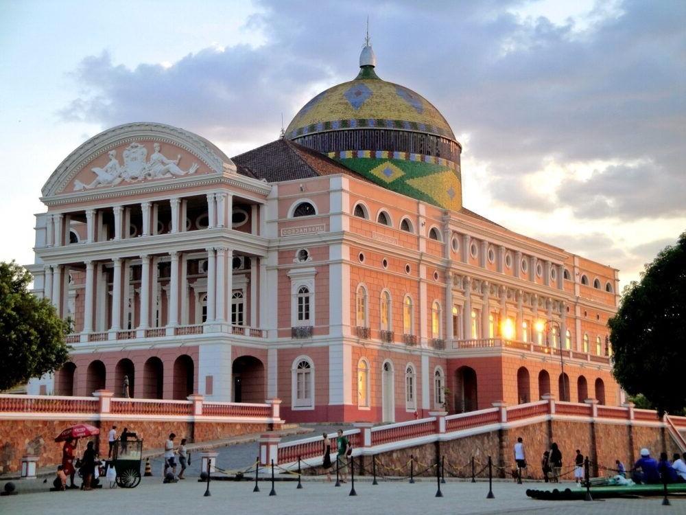 Visita el Teatro Amazonas en brasil
