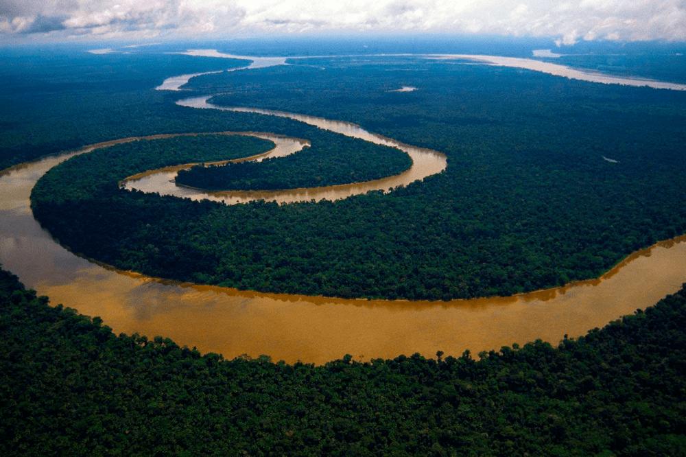 Vista aerea del Río Amazonas