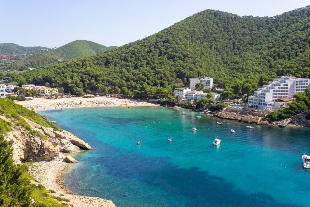 Destino Cala Llonga Ibiza