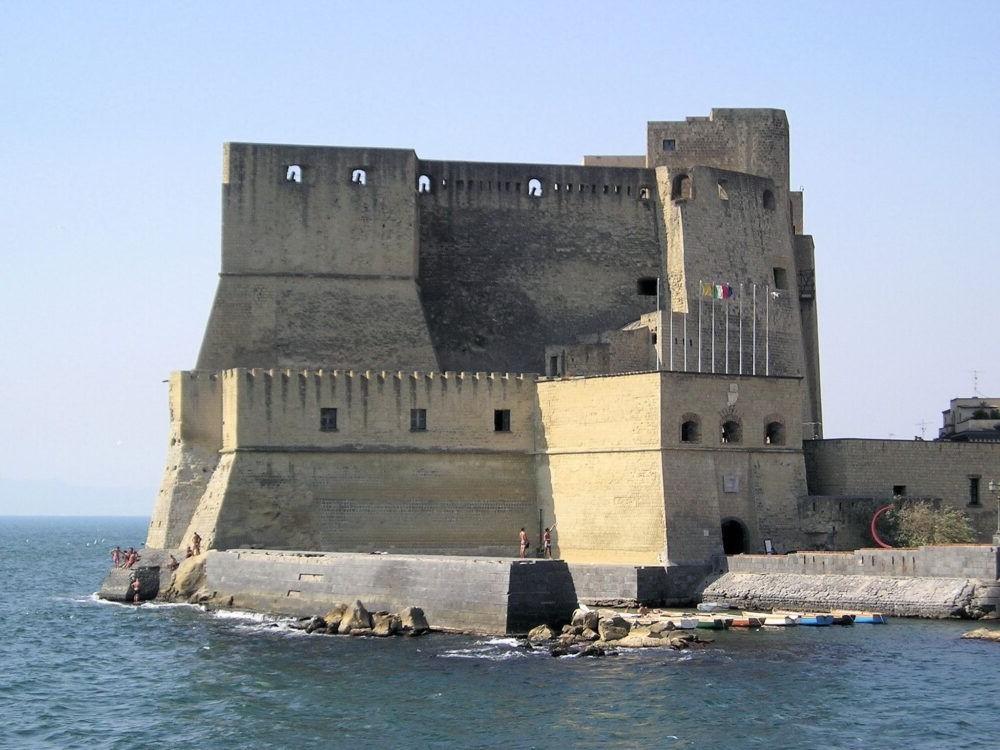 Destino Castel dell'Ovo