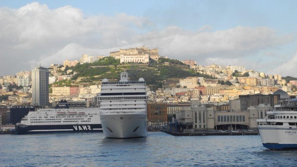 Destino Puerto de Nápoles