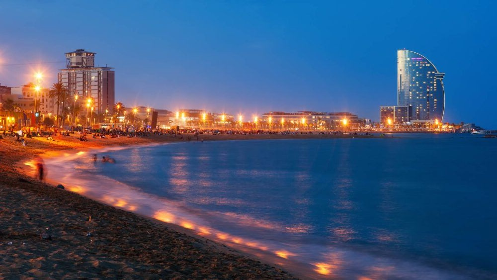 Destino Salida nocturna en la Barceloneta