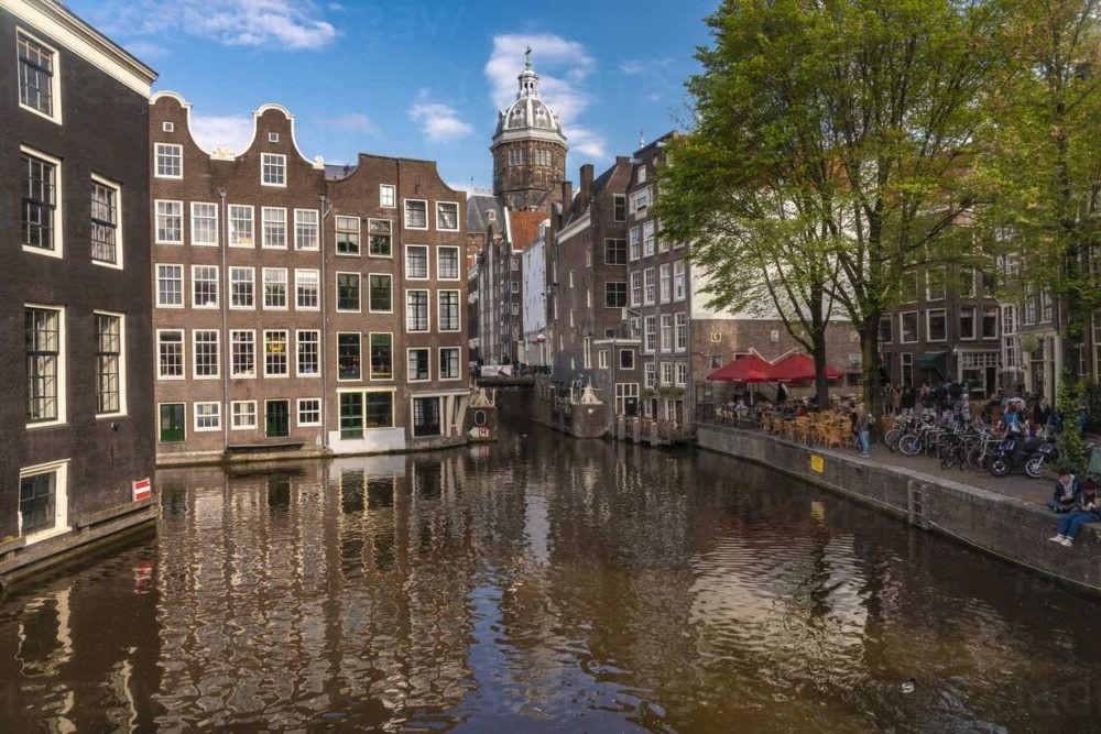 Dónde alojarse en Amsterdam: Mejores Vecindarios y Hoteles
