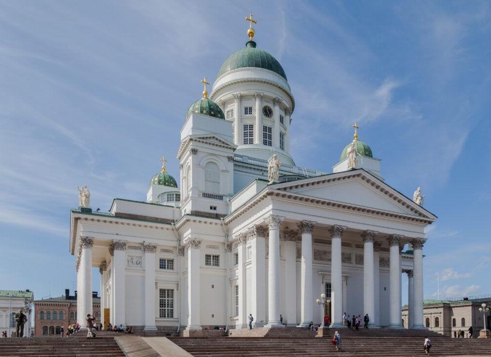Turismo por la Catedral de Helsinki