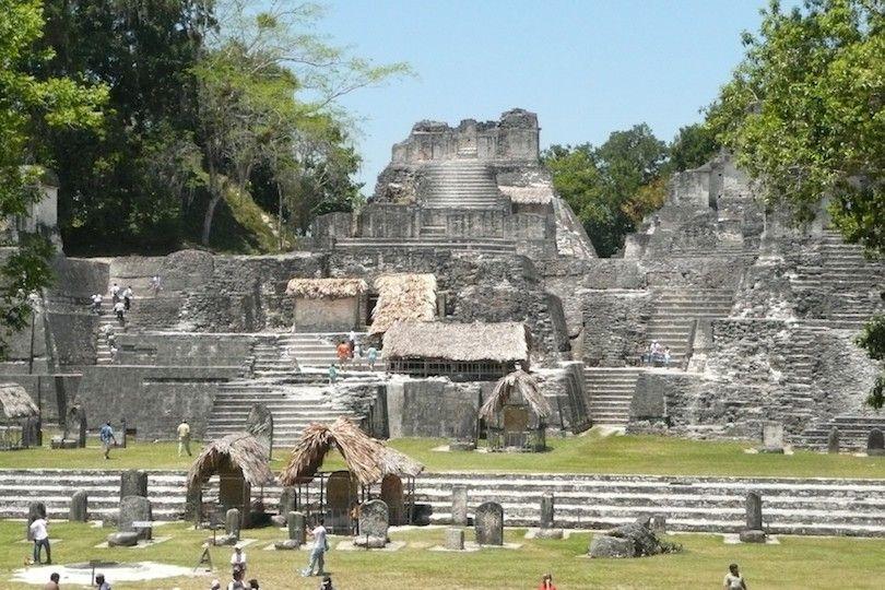 Acrópolis En Tikal