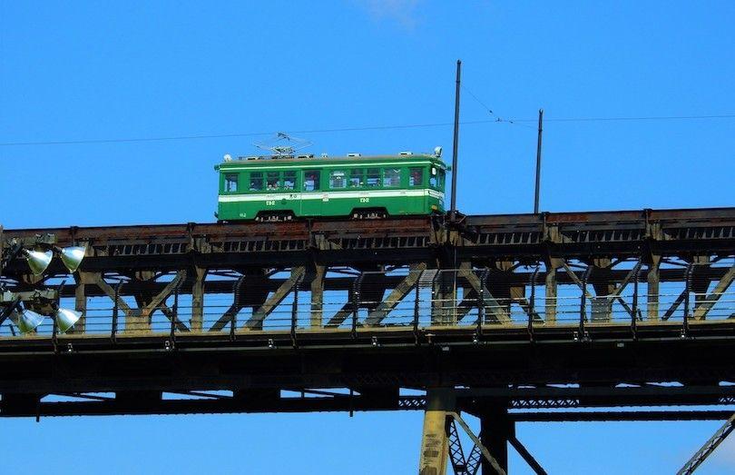 Alto Nivel Puente Del Tranvía
