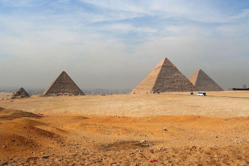 Necrópolis De Giza