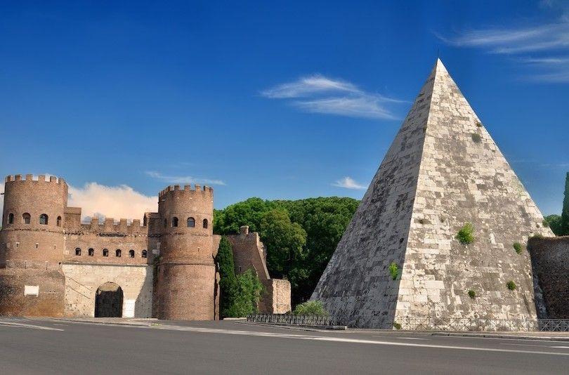 Pirámide De Cestius