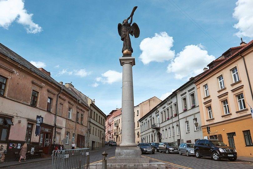 Uzupis Estatua