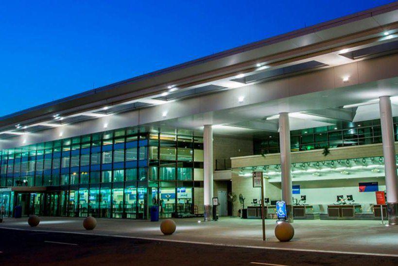 Aeropuerto  internacional Bill and Hillay Clinton