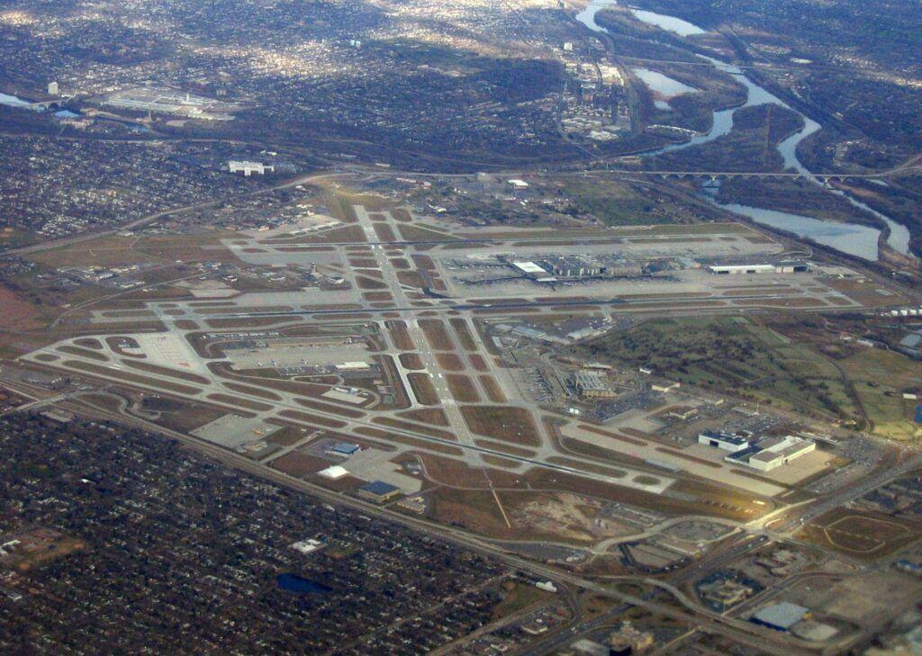 Aeropuerto internacional de Minneapolis Saint Paul.jpg