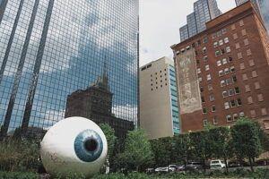 La escultura The Eye en Dallas