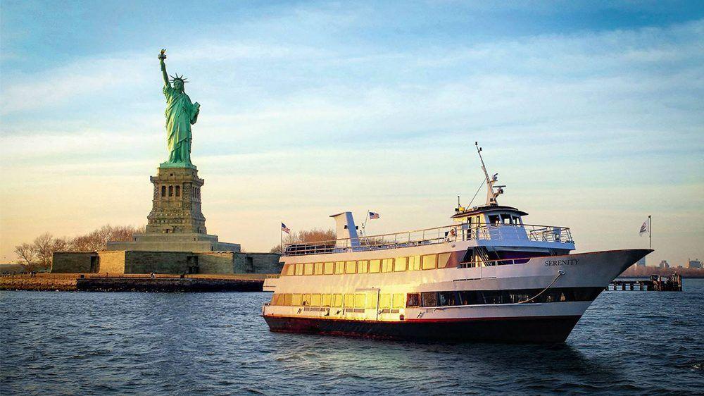 Crucero por la Estatua de la Libertad