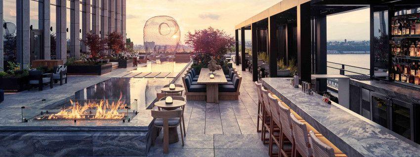 Bar en la terraza del hote Equinox