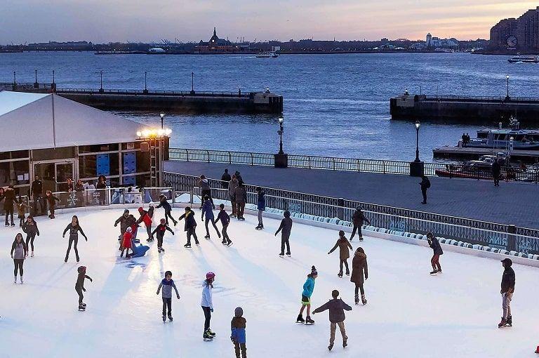 Pista de patinaje sobre hielo del Muelle 17