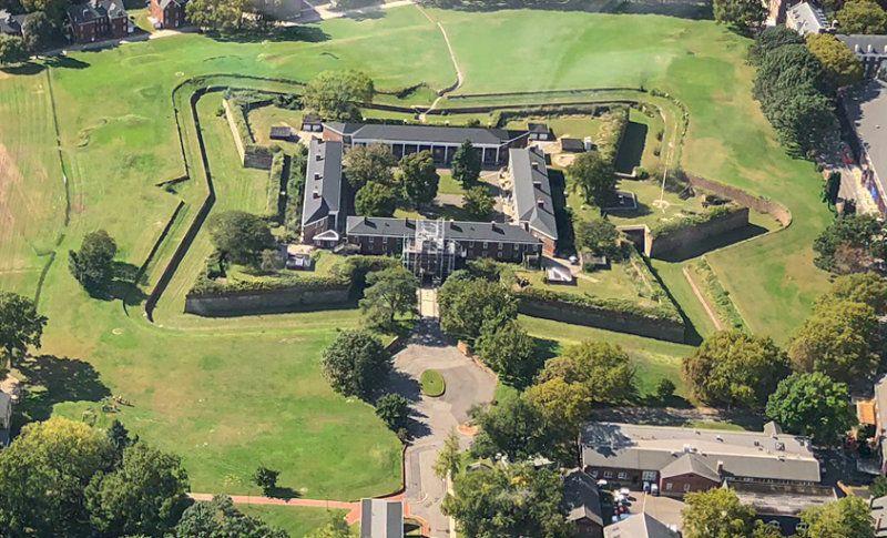 Monumento Nacional de Governors Island Fort Jay y el Castillo Williams